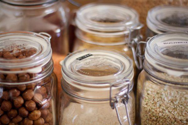 Lebensmittel Vorräte im Bügelglas