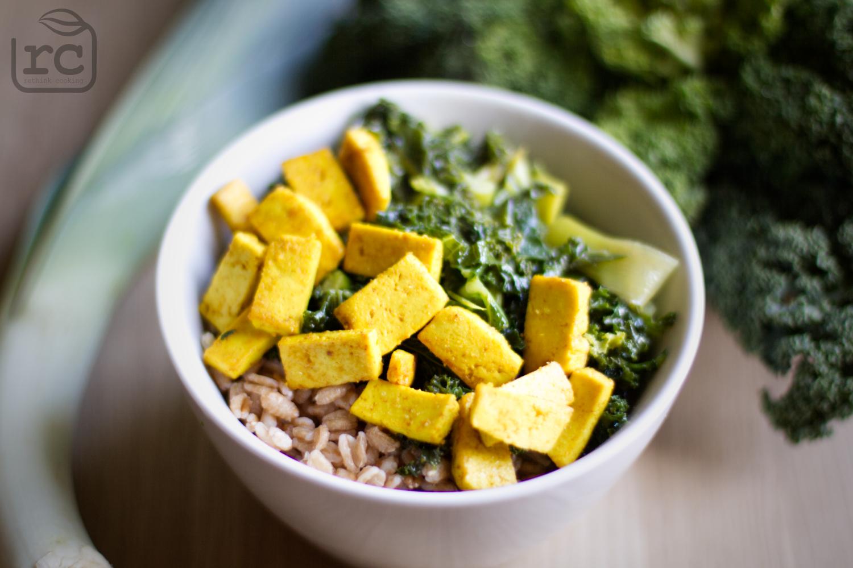 Rezept Grünes Curry mit Lauch, Wirsing und goldenem Tofu im Winter